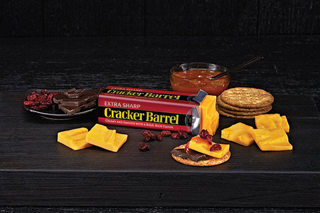 CRACKER BARREL Extra Sharp Cheddar Pairing Tray